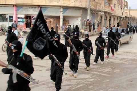 U.S., Arab Allies Strike ISIS Extremists in Syria
