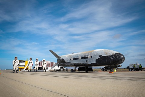Mysterious X-37B Space Plane Returns to Earth After Nearly Two Years