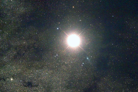 Comet Siding Spring Zips Past Mars While Telescopes Watch