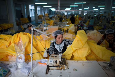 China Factory Races to Produce Ebola Protective Suits