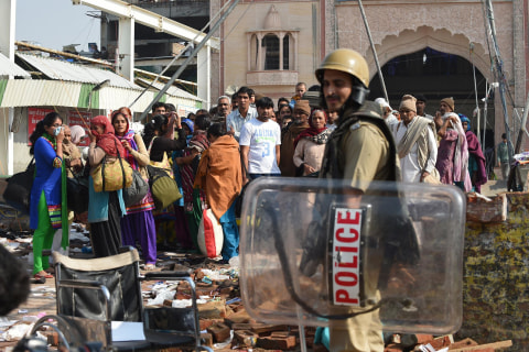 Indian Police Storm Cult Leader Rampal's Compound