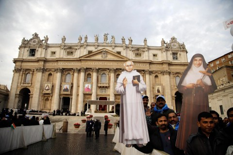Pope Francis Declares Sainthood of Two Indians, Four Italians