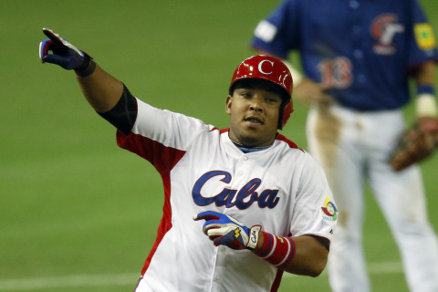 Cuban Defector Who Wants $100M Chased by Four Teams