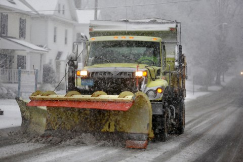 Thanksgiving Storm Leaves 344K in Darkness From West Virginia to Vermont