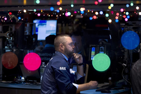 Stocks Close Higher as Dow Edges Toward 18,000