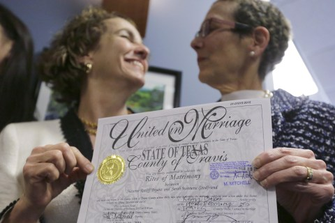 Apple, Facebook, Other Tech Giants Back Gay Marriage