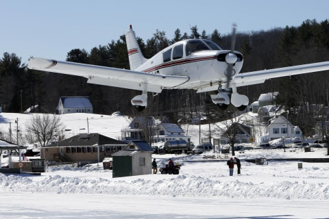 FAA Approves Frozen New Hampshire Lake for Plane Landings