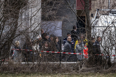 Germanwings Crash Victims' Relatives Visit Alps, Site of Tragedy
