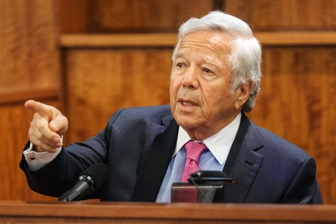 Aaron Hernandez Murder Trial: Patriots Owner Robert Kraft Testifies