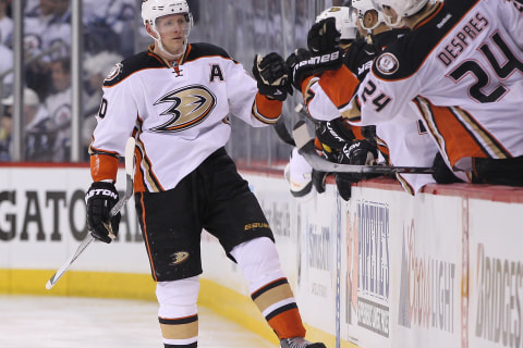 Ducks' Leaders Drive Another Comeback, Put Jets on Brink