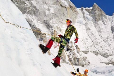 Nepal Earthquake: Dan Fredinburg, Google Engineer, Killed in Everest Avalanche