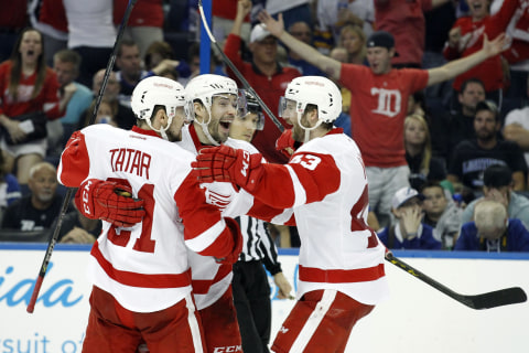Red Wings Smother Lightning, Take 3-2 Series Lead