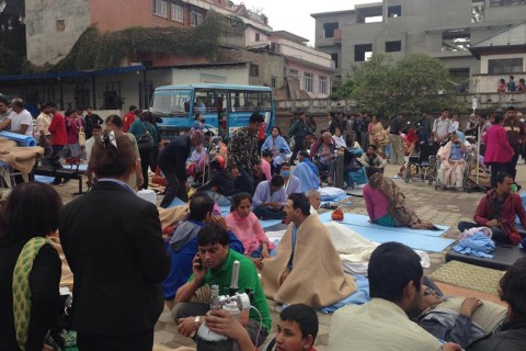 Nepal's Hospitals Swamped as Quake Toll Rises, Aftershocks Rattle