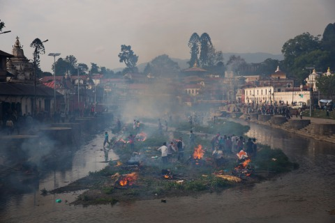 Nepalese Mourn Earthquake Victims During Cremation Rituals