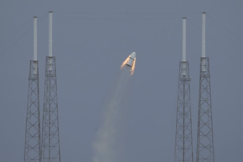 SpaceX's Pad Abort Test for Its Dragon Spaceship Is a Real Blast