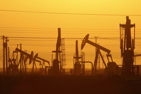 Cheap Oil Is Good for Consumers, So Why Is It Slamming Stocks?