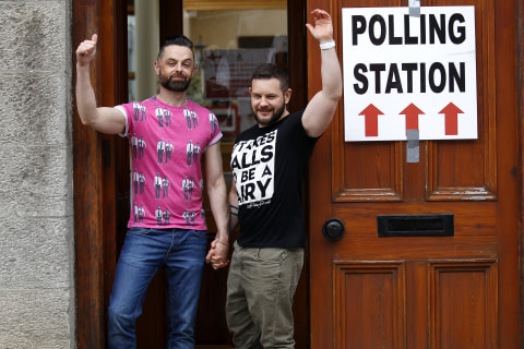 Ireland Gay Marriage Referendum: Thousands Fly 'Home to Vote'