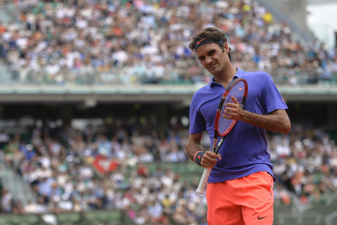Federer Wins in Straight Sets in First Round of French Open