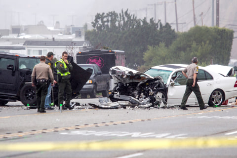 Men More Likely Than Women to Die in Car Crashes, Report Says