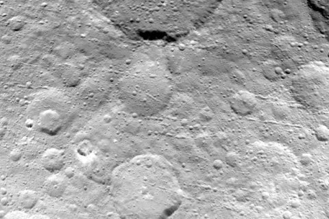 Craters Inside Craters: Dawn Probe Circles Down for Ceres Close-Ups