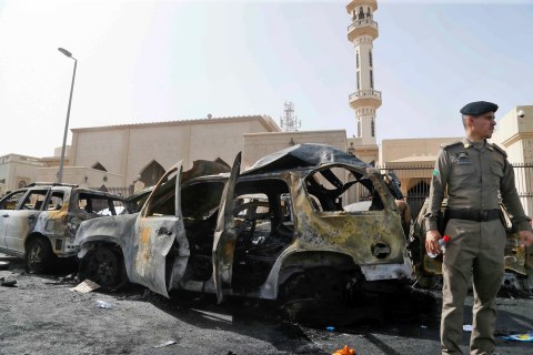 ISIS Claims Suicide Blast at Shiite Mosque in Dammam, Saudi Arabia