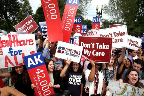 Feds Make Push as Obamacare Sign-Up Deadline Arrives Tuesday