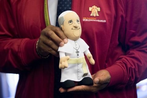 Pope Inc.: Francis' U.S. Visit Inspires Souvenir Sellers