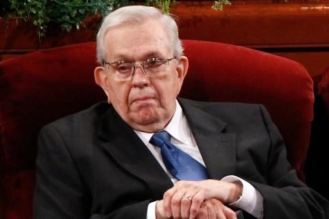 Longtime Mormon Leader Boyd Packer Dies at 90