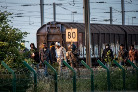 Migrants Storm Channel Tunnel in Bid to Enter Britain