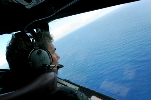 MH370 Search Likely to Last Another Year Despite Debris Clue