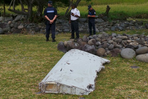 Australian Expert Sent to Help in Examination of Possible MH370 Wreckage