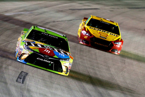 Ky.Busch, Logano Locked and Loaded as Chase Race Heats Up