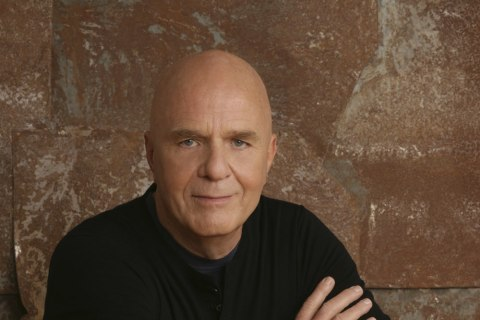 Self-Help Pioneer Dr. Wayne Dyer Dies at 75, Family and Publisher Say