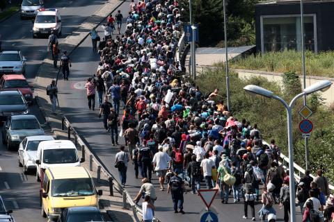 Hungary Refugees Begin 300-Mile Walk to Germany Amid Train Impasse