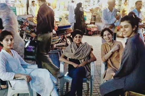 #GirlsatDhabas: How Eating In Public Became a Thing in Pakistan