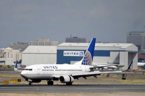 U.S. Sues to Stop United's Planned Expansion at Newark Airport