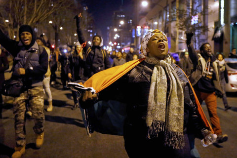 Laquan McDonald Police Shooting Video Ignites Chicago Protests