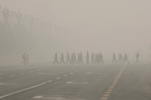 Beijing Smog Reaches Peak Levels Stifling City