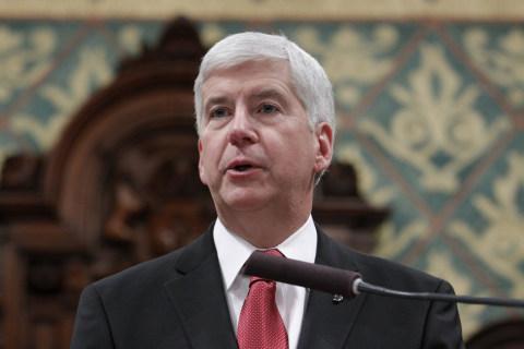 Flint Emails: Gov. Rick Snyder's Aide Called Crisis 'Political Football'