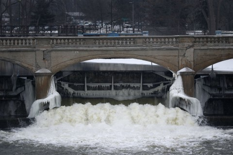 House Panel Accuses Officials of Covering Up Flint Water Crisis