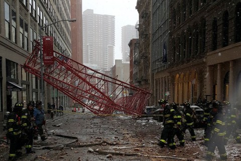 Large Crane Collapses in Downtown New York City