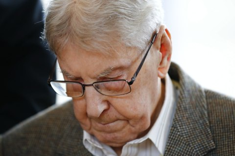 Reinhold Hanning, Former Auschwitz Guard, Goes on Trial in Germany