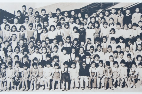 Recalling internment, Japanese Americans condemn family separations