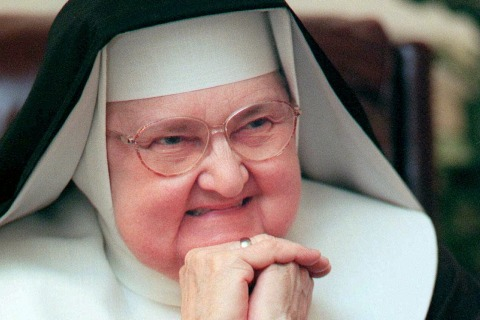 Mother Angelica, Founder of Catholic Network EWTN, Dies at 92