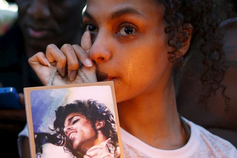 Prince Dies: Autopsy to Be Performed as Tributes for Star Flood In