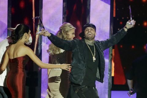Nicky Jam Wins Big at 2016 Latin Billboard Awards