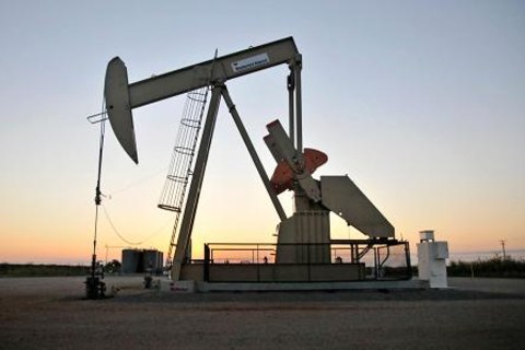 Oil Prices Ease Despite Continued Supply Disruptions