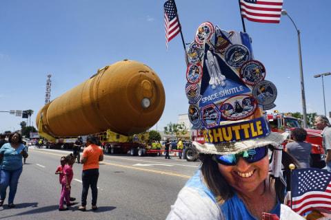Space Shuttle Fuel Tank Rolls Slowly Through Los Angeles