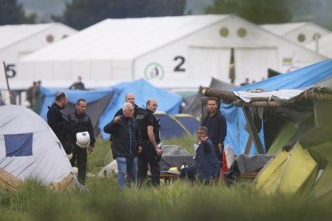 Greek Riot Police Begin Evacuating Idomeni Refugee Camp