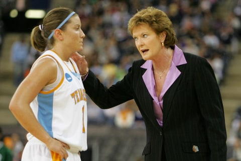 Pat Summitt, Winningest Coach in D1 history, Dead at 64